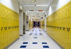 高中走廊 免版税库存照片