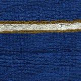 毛巾布料纹理-与条纹的蓝色 免版税库存照片
