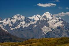 高加索山脉在乔治亚国家 美丽的山la 免版税库存图片