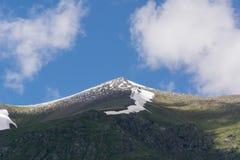 高加索山脉是一个山系在黑海和里海之间的西亚在高加索地区 库存图片