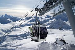 高加索elbrus推力滑雪 免版税图库摄影