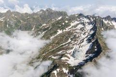 高加索山脉夏天 免版税库存图片