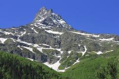 高加索山脉夏令时 Dombai山风景 库存照片