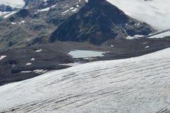 高加索山脉的美好的风景 免版税库存图片