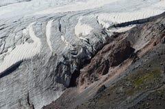 高加索山脉的美好的风景 免版税库存照片