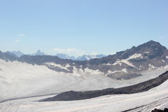 高加索山脉的美好的风景 库存图片