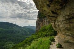 高加索的美好的山风景 关岛峡谷, Mezmay 库存图片