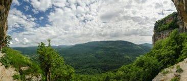 高加索的美好的山风景 关岛峡谷, Mezmay 免版税库存照片