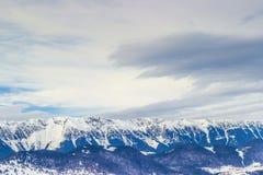 高加索覆盖横向山山shurovky天空ushba 免版税图库摄影