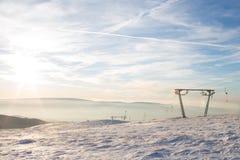 高加索dombay区域滑雪倾斜 库存照片