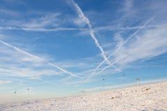 高加索dombay区域滑雪倾斜 免版税库存照片
