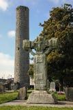 高十字架和圆的塔 凯尔斯 Co Meath 爱尔兰 免版税库存照片