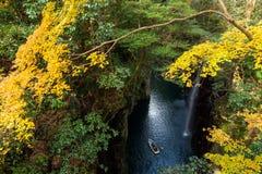 高千穗峡谷在秋天季节的宫崎 库存照片
