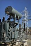 高压充满油的电源变压器 免版税图库摄影
