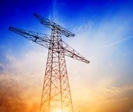 高压塔天空背景 库存图片