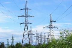 高压电子塔 免版税图库摄影