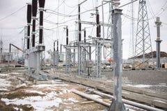 高压电源变压器在分站 免版税库存照片