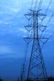 高压电源杆时期 图库摄影