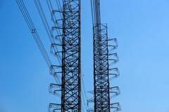 高压输电塔 库存照片