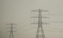 高压送电线 库存图片