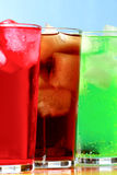 高可乐、奶油苏打和莓苏打泡沫腾涌的饮料 库存图片