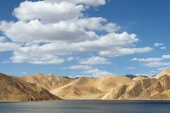 高地Himalaya湖 库存照片