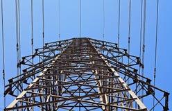 高塔传输电压 库存照片