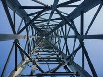 高塔移动电话对天空 免版税库存照片