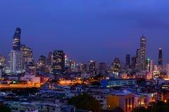 高大厦在城市 库存照片