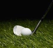 高尔夫俱乐部和球 免版税图库摄影