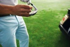 高尔夫俱乐部maintenace 免版税库存图片