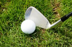 高尔夫球、俱乐部或者铁 免版税库存图片