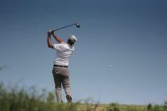 高尔夫球人摇摆 图库摄影