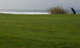 高尔夫球台车 库存图片