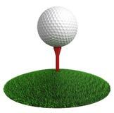高尔夫球和在绿草光盘的红色发球区域 库存图片