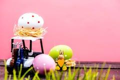 高尔夫球和复活节 免版税图库摄影