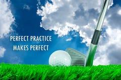 高尔夫球和铁俱乐部和行情 库存图片