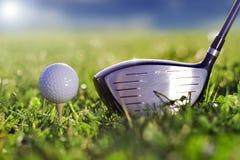 高尔夫球喷射器作用 免版税库存照片