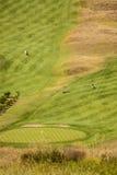 高尔夫球场和海滩的看法有登上的圣安多Zarautz 免版税库存图片