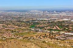 高尔夫球场和菲尼斯地平线从南山上 免版税库存图片