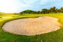 高尔夫球场在乡下 图库摄影