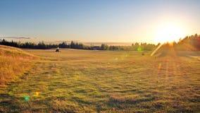 高尔夫球场在乡下 免版税图库摄影