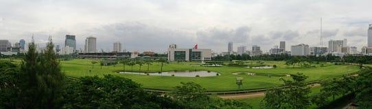 高尔夫球场在都市城市-曼谷 库存照片