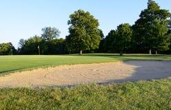 高尔夫球场景色 免版税库存图片