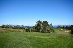高尔夫球场航路 免版税库存照片