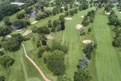 高尔夫球场鸟瞰图 免版税库存照片