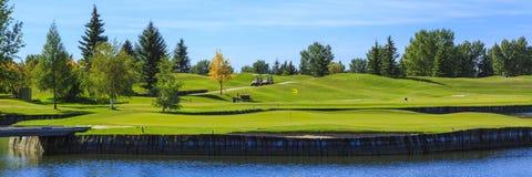 高尔夫球场 免版税库存图片