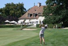 高尔夫球夫人摇摆 免版税图库摄影