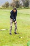 高尔夫球实践 库存照片