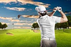 高尔夫球查出的球员射击工作室 免版税库存照片